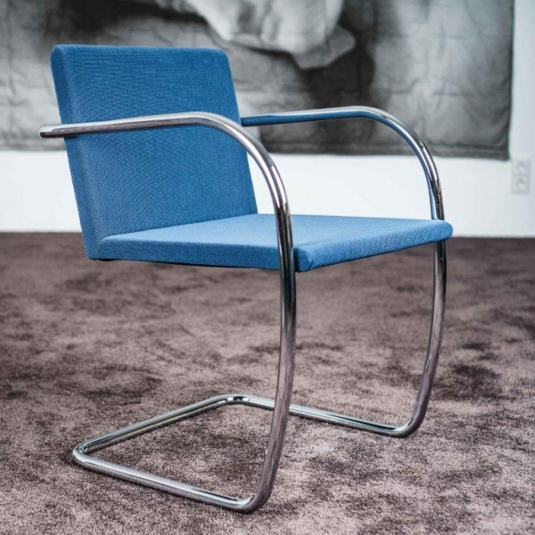 BRNO von KNOLL INTERNATIONAL
